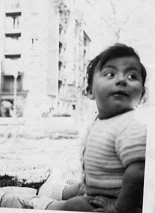 C'est moi, à l'âge d'un an environ. Je n'ai pas de photo plus ancienne...